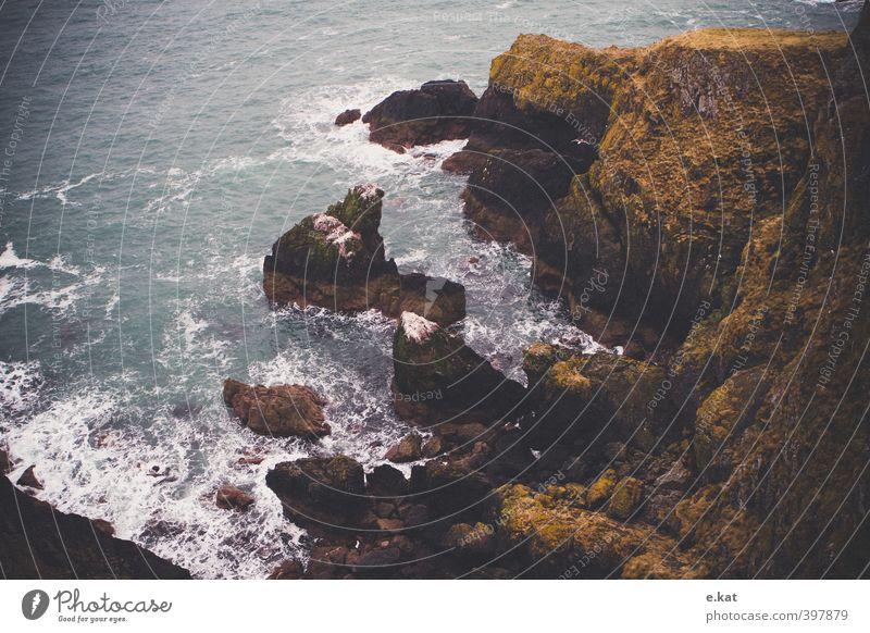 //Schottland_1 Ferien & Urlaub & Reisen Meer Wellen Berge u. Gebirge wandern Natur Landschaft Wasser Felsen Küste Seeufer Bucht Europa kalt Farbfoto mehrfarbig