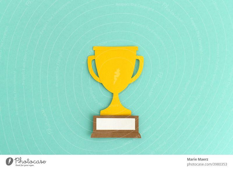 Gewinner | Sieger-Pokal Illustration aus Papier gewinnen Wettkampf Auszeichnung Erfolg Glück Sport Meister Konkurrenz Meisterschaft Preisverleihung Leistung