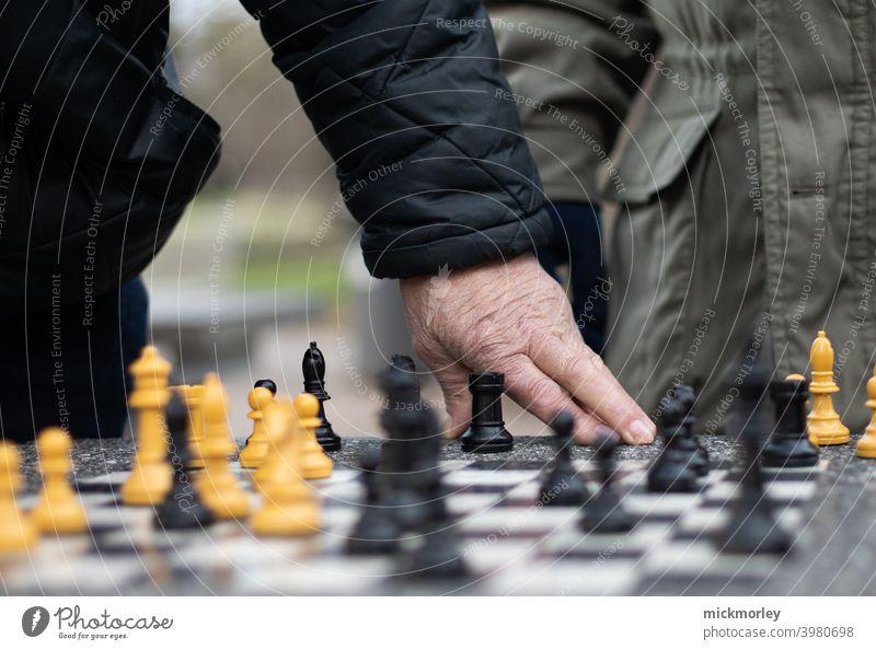 Das Spiel der Könige und Königinnen Schach Schachbrett Spielen Turm Läufer Schlacht Strategie Verstand Konkurrenz strategisch Denken denkend denken an ...