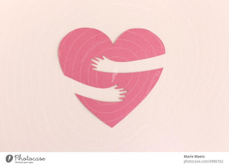 Dem Herz fehlt die Umarmung Nähe Liebe Berührung berühren umarmen Sehnsucht Corona Distanz vermissen Glück Freude Freundschaft Zuneigung Arme Zusammensein