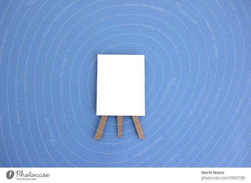 Leere Tafel | Papier-Illustration eines Whiteboards mit leerem Blatt Papier Schilder & Markierungen Hintergrund neutral Hinweis handgemacht Papierschnitt