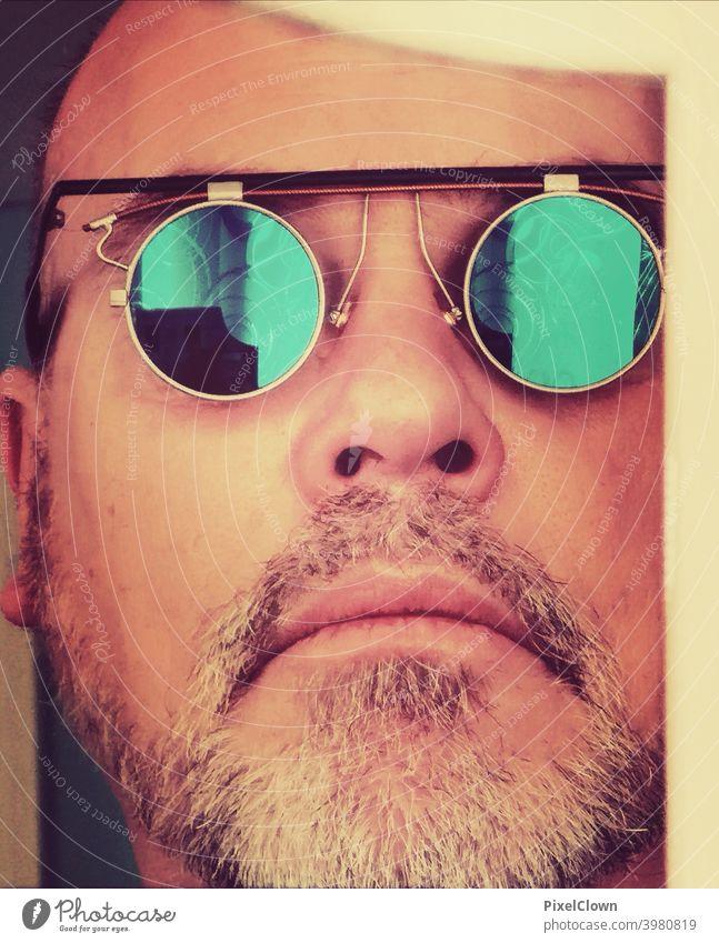 Mann mit Bart und Sonnenbrille Porträt Mensch Blick Gesicht maskulin Brille Kopf Erwachsene Coolness Blick in die Kamera