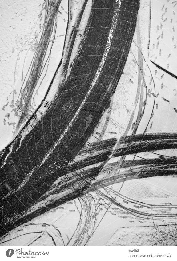 Mobile Gesellschaft Vogelperspektive Straße Schnee Winter Kurve Bürgersteig Detailaufnahme abstrakt Muster Strukturen & Formen Menschenleer Textfreiraum links