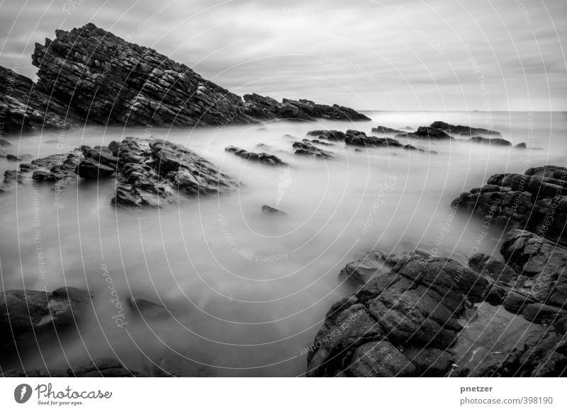 Das Meer Natur Ferien & Urlaub & Reisen Wasser Landschaft Wolken ruhig Ferne Strand Umwelt Gefühle Küste Zeit Freiheit Felsen Tourismus