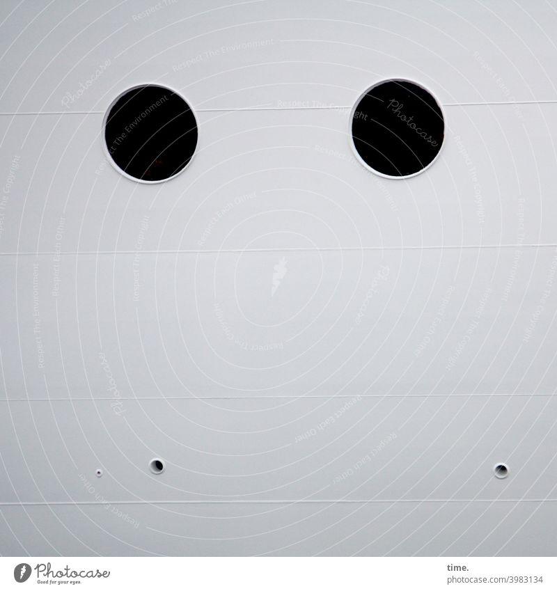gucknichso bullaugen schiffswand maritim metall eisen schweißnaht löcher dunkel zwei vier rätsel detail geheimnsvoll