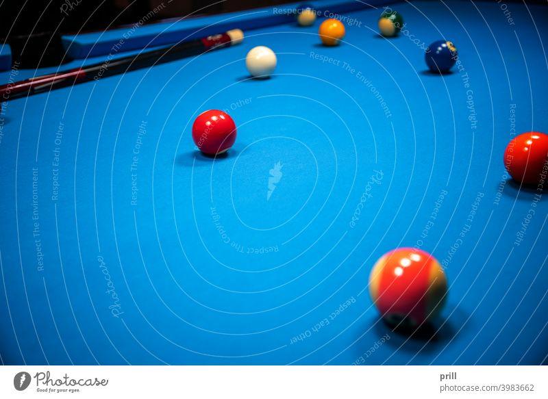 Stichwort Sportkulisse Queue-Sportarten Billardkugel cuesports Spiel Detailaufnahme Nahaufnahme Ball Billardtisch blau Snooker Pool-Billard Erholung Hobby