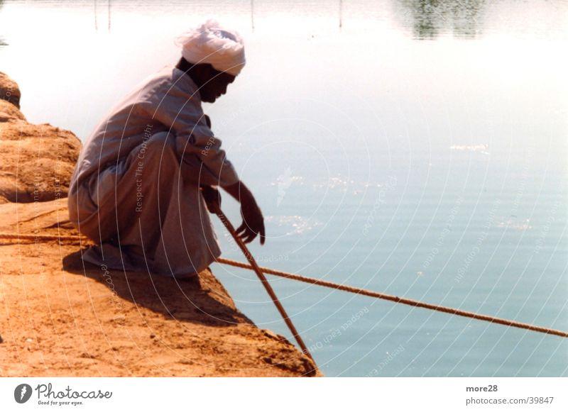 Fischer am Nil Wasser Zufriedenheit Fischer Ägypten Nil