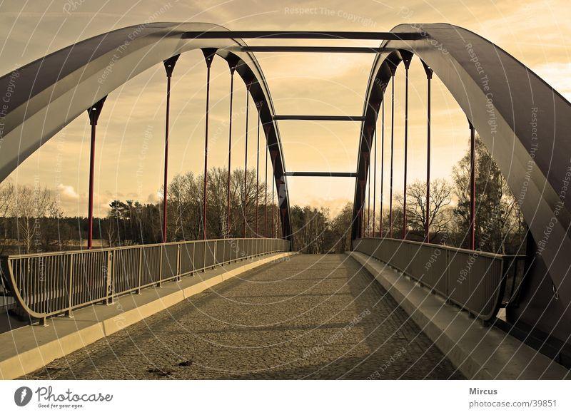 brückendynamik Straße Perspektive Brücke Sepia Abwasserkanal