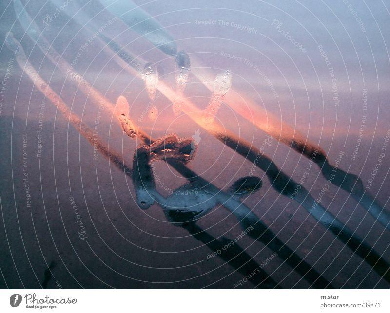 . . . TOUCH . . Mensch Hand Wasser Sonne kalt Eis Finger berühren durchsichtig