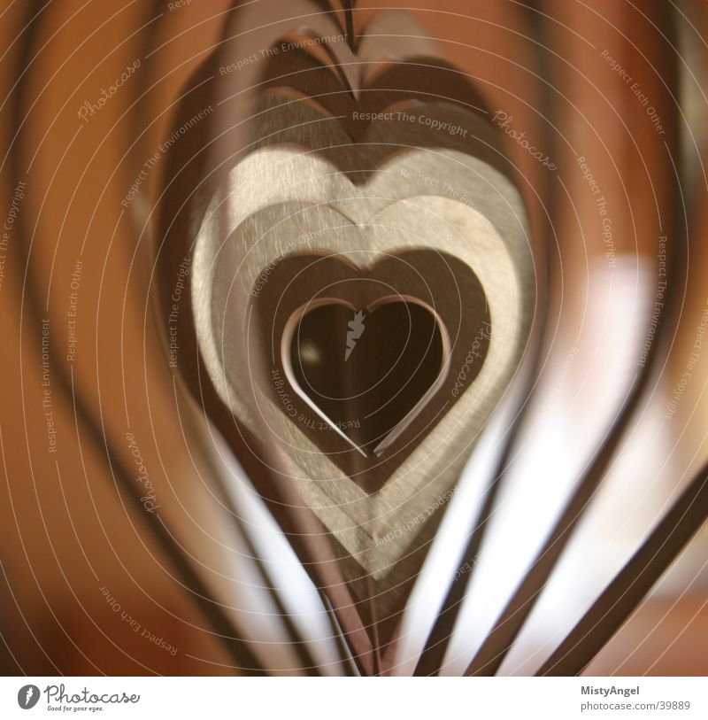 herz Dinge Bewegungsunschärfe rotbraun Herz Metall color Detailaufnahme