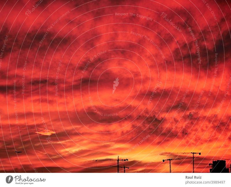 Himmel Licht nach Sonnenuntergang. orange Hintergrund Tag Dämmerung Meteorologie Himmel (Jenseits) pulsierend Wetter Sonnenlicht Cloud Natur Wolkenlandschaft