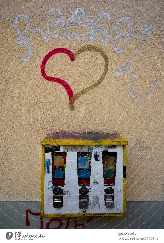 Liebe für verwahrlosten Kaugummiautomat Design Wandel & Veränderung Abnutzung Zahn der Zeit verwittert Straßenkunst Herz (Symbol) Schramme Kreativität dreckig