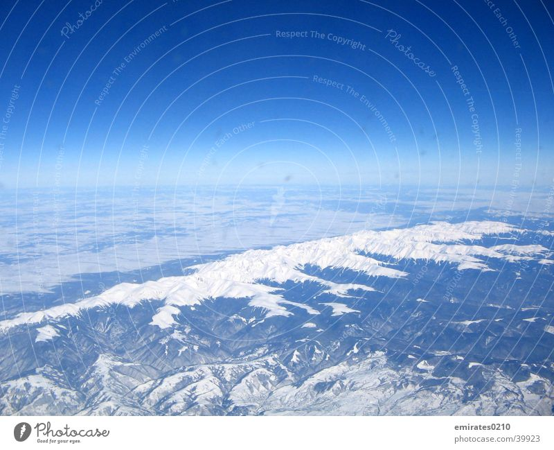 Winter von ganz oben Himmel blau Farbe Schnee Berge u. Gebirge Luftverkehr Karpaten