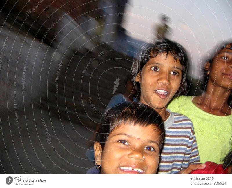Kids on the run Kind Unschärfe Spielen Bewegung lachen laufen Freude Treppe