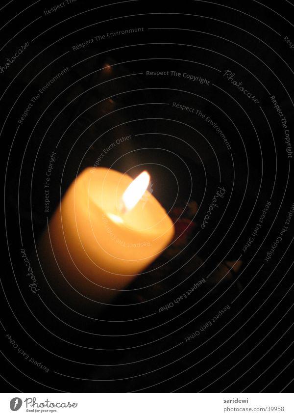 Licht im Dunkeln Kerze Kerzenschein dunkel Romantik Einsamkeit Freizeit & Hobby Wärme