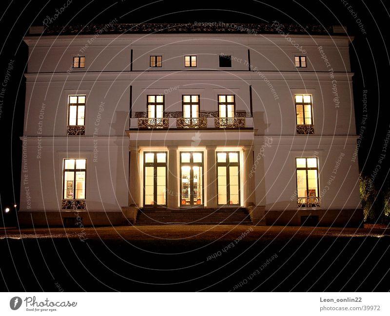 Jenisch Haus Frontal Haus Hamburg historisch Elbe