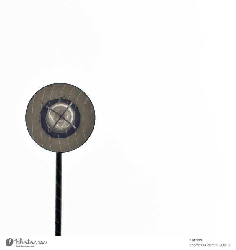 eine Lampe von unten gesehen abstrakt weiß Minimalismus schwarz Himmel Muster Schwarze Textur dunkel Minimales Schwarz schwarz auf weiß minimalistisch
