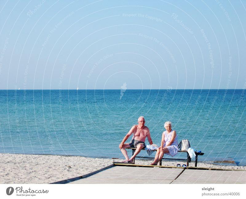 Ruhepause Mensch Sonne Strand Ostsee Ehepaar Dänemark Meer Paar