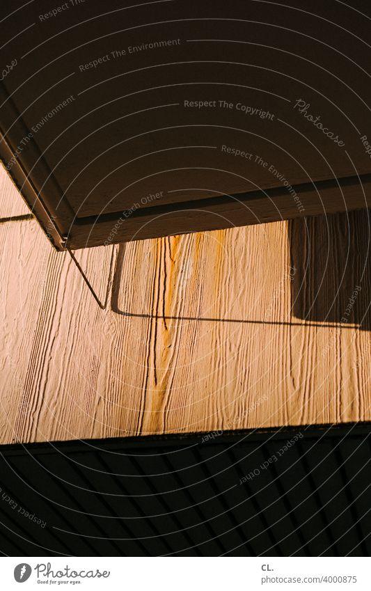 gebäudeteil Detailaufnahme Architektur Haus modern abstrakt Strukturen & Formen Fassade Muster Gebäude Linie ästhetisch Wand Menschenleer
