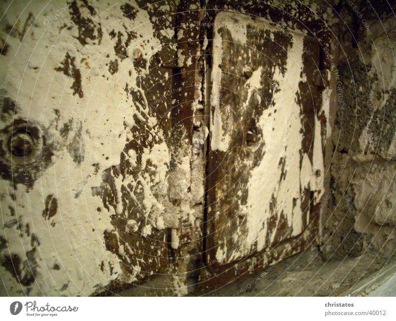 Kamintüren alt Farbe Industrie Rost Eisen Kamin
