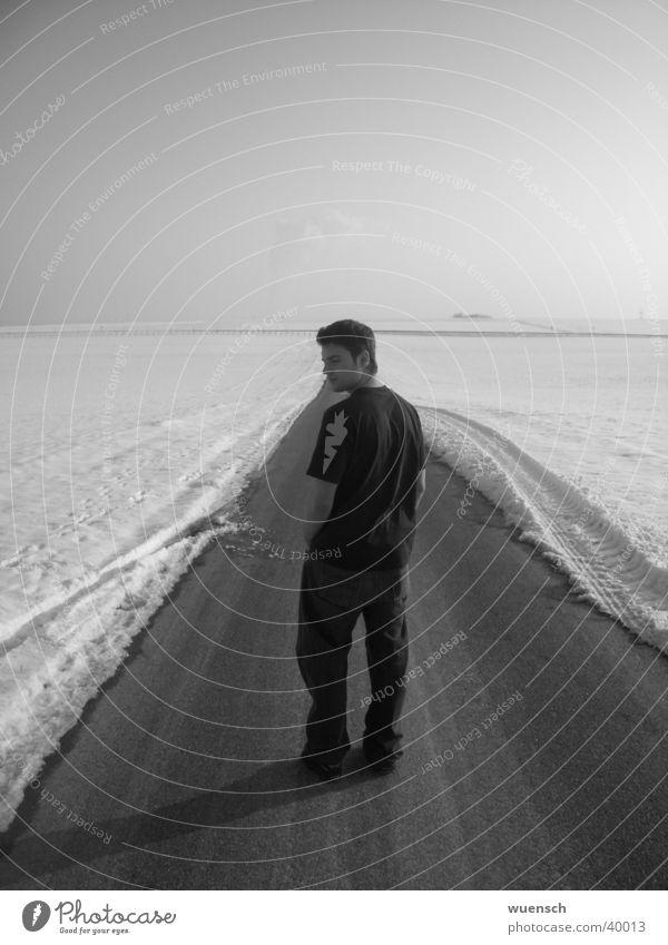 Schuchi XI Winter Porträt Mann Schwarzweißfoto Schnee