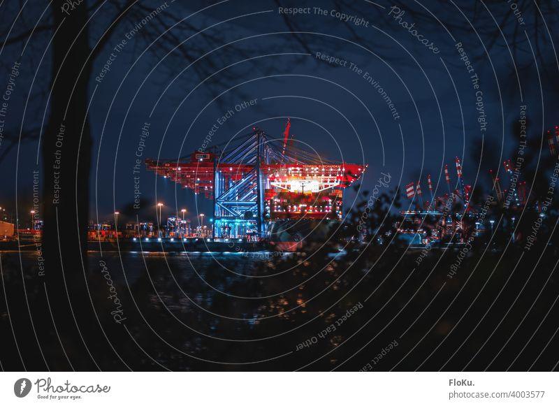Ein Blick auf das Burchardkai bei Nacht Hamburg Hafen Kran Wasserfahrzeug Elbe Fluss Schifffahrt Hamburger Hafen Hafenstadt Güterverkehr & Logistik Industrie