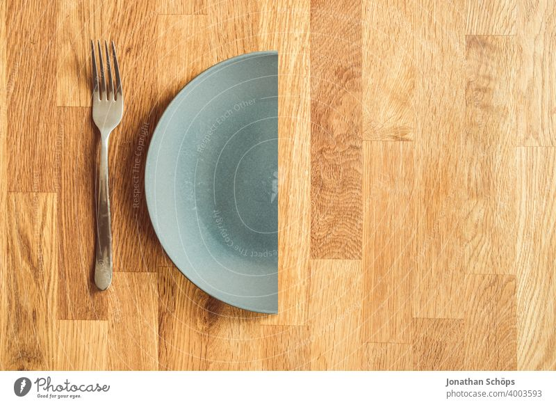 Allgemeiner Verzicht in der Fastenzeit oder Passionszeit Abnehmen Advent Beschränkung Bewusst Bußzeit Christentum Draufsicht Einschränkung Essen Fastenkalender