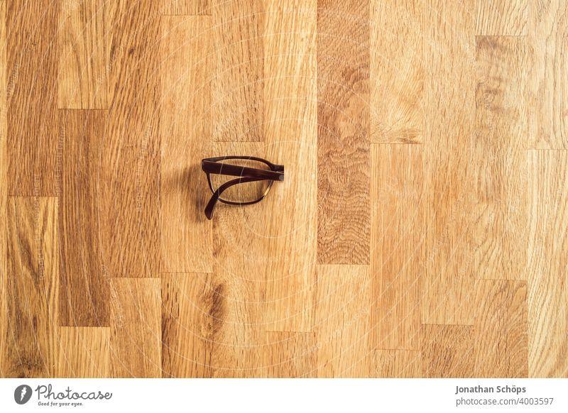 Denken, Grübeln und Sorgen fasten in der Fastenzeit oder Passionszeit Advent Arbeit Beschränkung Bewusst Brille Bußzeit Christentum Draufsicht Einschränkung
