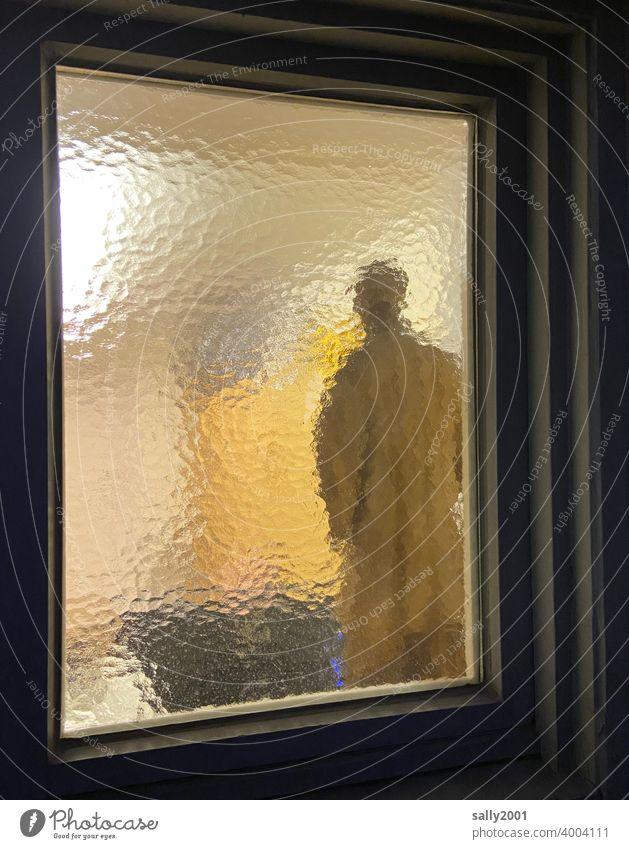unerkannt hinter Glas... Milchglas Strukturglas Ornamentglas Fenster Fensterscheibe Strukturen & Formen mehrfarbig Einblick Mensch Figur unbekannt Glasscheibe