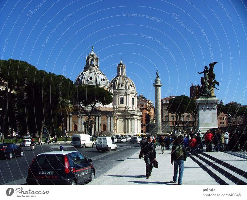 Foro Traiano (Rom, Italien) Mensch Sonne Stadt Sommer Ferien & Urlaub & Reisen Menschengruppe Gebäude Kunst Architektur Tourismus Kultur Italien historisch Rom Blauer Himmel