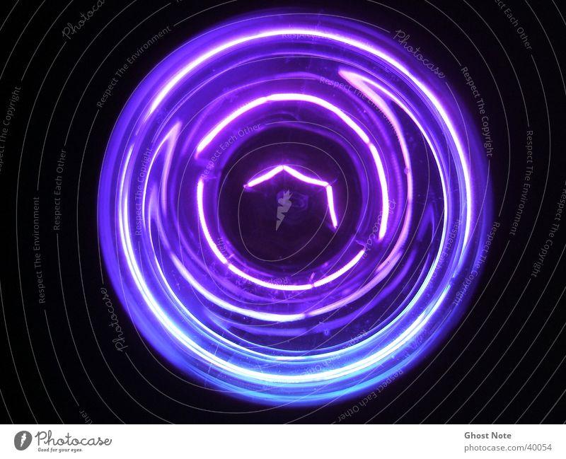<The Dark Side Of The Moon> schwarz Stil violett Dinge Glühbirne Spirale Schwarzlicht