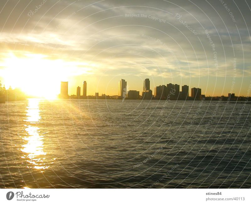 Newark Nacht Sonnenuntergang Hochhaus New York City New Jersey Meer Vancouver Skyline