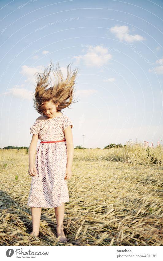 haarig | born to be wild Mensch Himmel Kind Natur Sommer Landschaft Mädchen Umwelt Gesicht Wärme Bewegung feminin Haare & Frisuren Beine Kopf Horizont