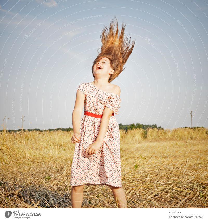 pech für die kuh elsa (mädchen IV) Kind Kindheit Mädchen Haare & Frisuren Freude Glück lachen Fröhlichkeit Lebensfreude Begeisterung Kindererziehung Natur