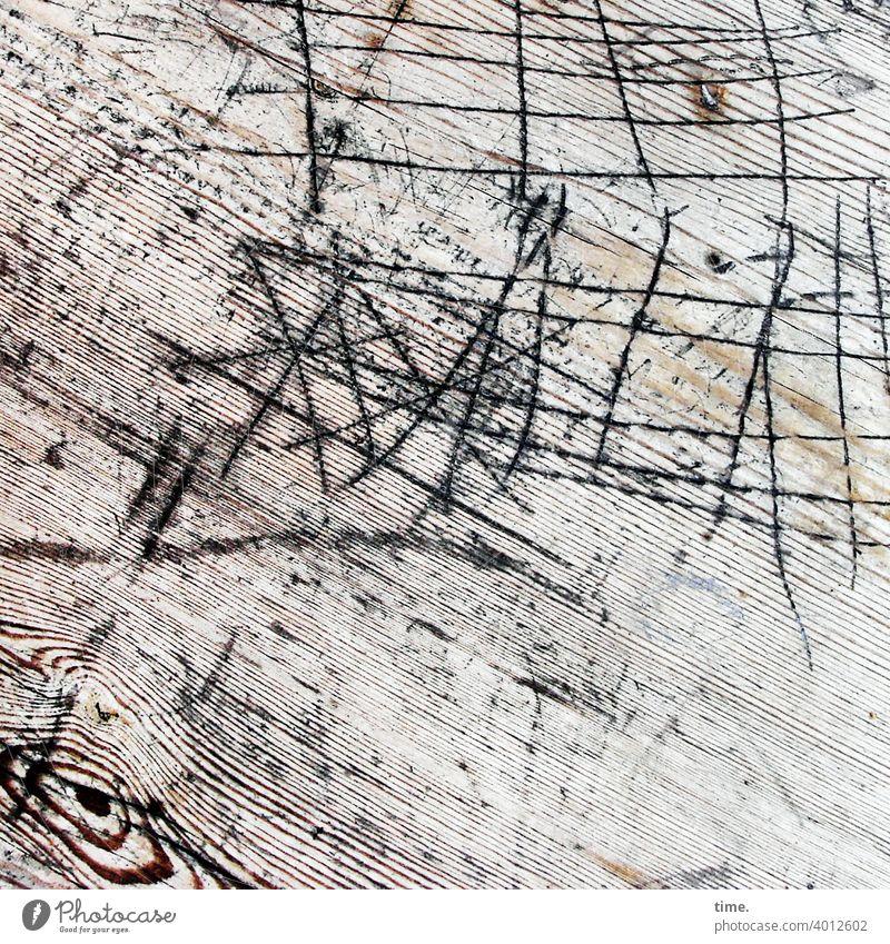 Lebenslinien #139 tisch holz holztisch maserung oberfläche ritzungen kerben streifen abdruck eindruck ausdruck kaputt charme alt textur verwittert zeichnung