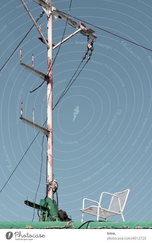 bestuhltes Gelände (16) leer einsam draußen metall mast wrack schiffswrack sonnig an Deck kabel rostig oben