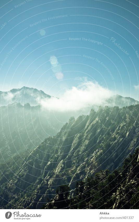 Berglandschaft in Korsika, Gegenlichtaufnahme Himmel Natur Ferien & Urlaub & Reisen Erholung Landschaft Wolken Berge u. Gebirge Freiheit Stimmung Kraft Idylle