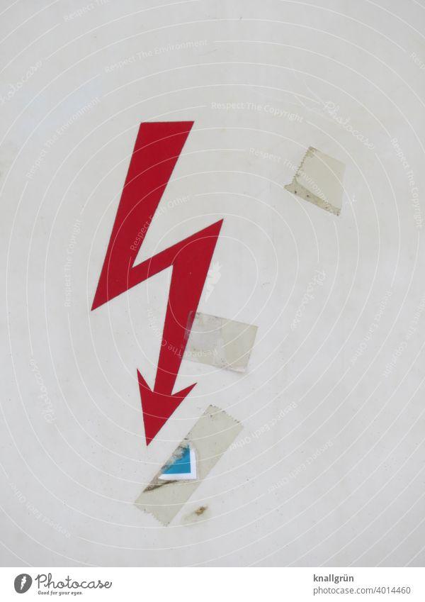 Roter Blitz auf einem Stromverteilerkasten Symbole & Metaphern Aufkleber Stromkasten Zeichen Schilder & Markierungen Hinweisschild Außenaufnahme Warnschild