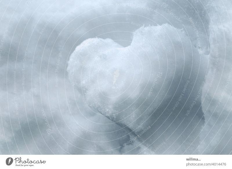Das kalte Herz herzlich Schnee Valentinstag Muttertag herzförmig Liebe Verliebtheit Gefühle Liebeserklärung Sympathie Liebesbekundung Liebesgruß
