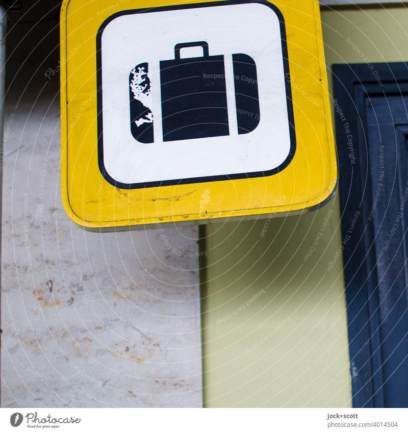 Koffer, ein international ersichtliches Symbol für Urlaub, Reisen und Gepäck Piktogramm Ferien & Urlaub & Reisen Tourismus Schilder & Markierungen