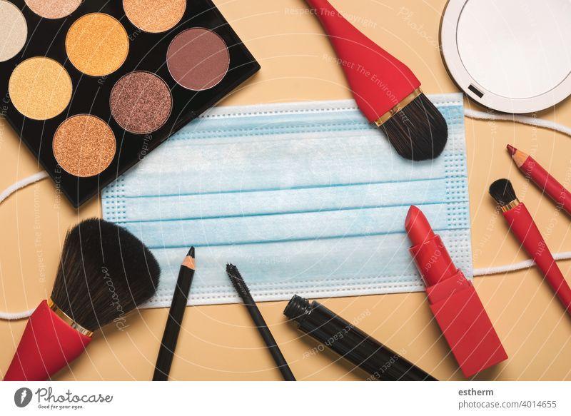 Schönheitssalon und Beauty-Blogger-Konzept Coronavirus Frauenkosmetik Chirurgische Schutzmaske Coronavirus-Masken 2019-ncov Bund 19 Seuche Pandemie Quarantäne