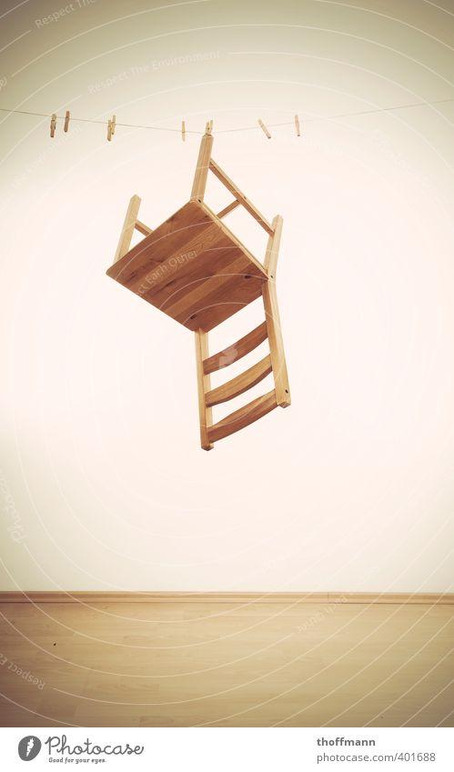trockener Stuhlgang weiß Erholung Wand Holz Seil Bodenbelag festhalten hängen leicht Wäscheleine Klammer aufhängen Stuhllehne Laminat Fußleiste
