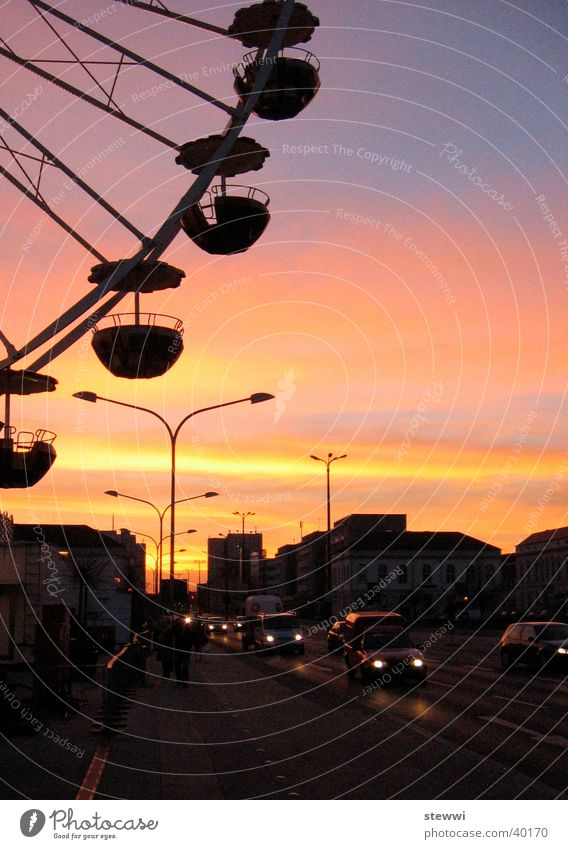 Abendrummel Stadt Straße Romantik Aussicht Freizeit & Hobby Jahrmarkt Abenddämmerung Brandenburg Riesenrad Potsdam