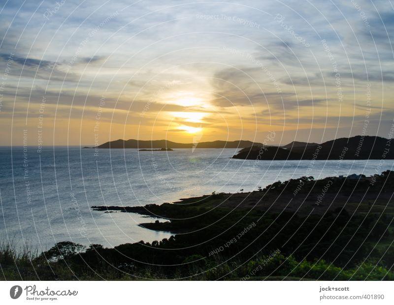 Sunset Thursday Natur Wasser Meer Landschaft ruhig Wolken Ferne Umwelt Küste Horizont glänzend leuchten Idylle gold authentisch Insel