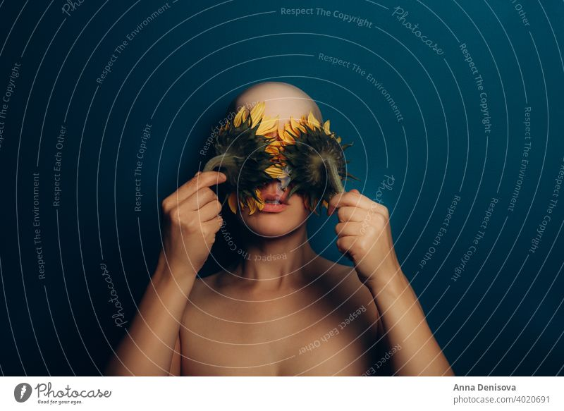 Konzept der Alopezie oder anderer Haarprobleme kahl Kopf Erwachsener Kahlheit Glatzkopf Haut Gesicht Person Porträt menschlich jung Pflege glänzend sanft krank