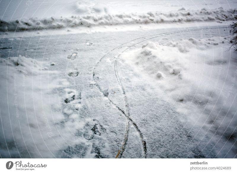Schnee von gestern berlin eis februar ferien frost jenuar kalt kälte neuschnee stadt urban winter winterferien januar weg geräumt schneeräumung hausmeister spur
