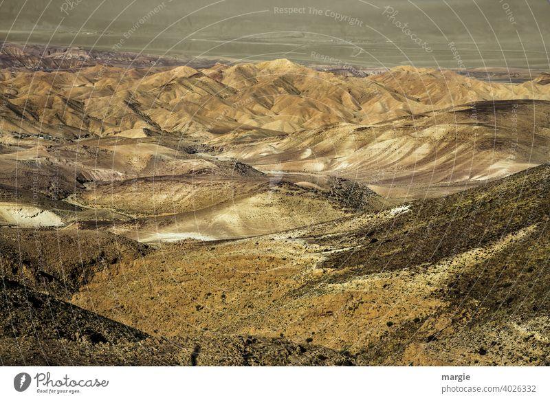 Marslandschaft: Erosionskrater Ramon Wüste Negev, Israel kratersee Landschaft Farbfoto Außenaufnahme Berge u. Gebirge natürlich braun Menschenleer Sonne