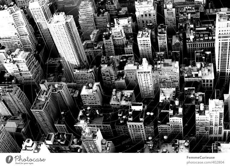 NYC (IV) Stadt Hauptstadt Hafenstadt Stadtzentrum Skyline bevölkert überbevölkert Traumhaus Hochhaus Bankgebäude Mauer Wand Fassade Handel modern Tourismus