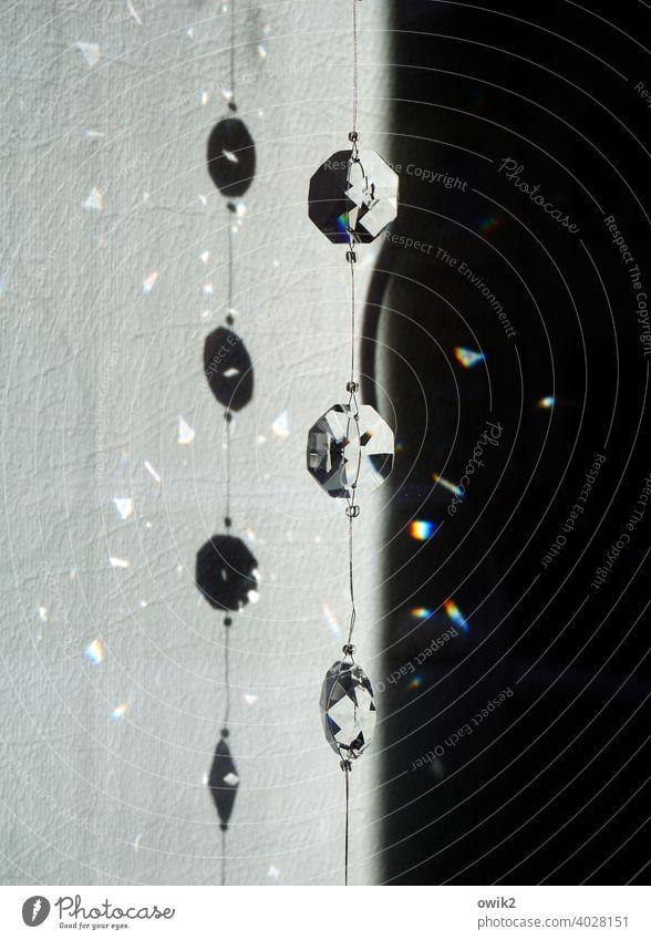 Blinklicht Kette schmuck Edelstein Glas Nachbildung Klunker leuchtend Sonnenlicht funkeln blinken strahlen Lichterscheinung Farbfoto Gedeckte Farben Lichtpunkte