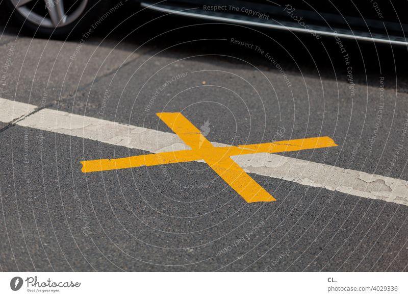X x Verbot Verbote Straße Straßenverkehr Auto Schilder & Markierungen Verkehr Verkehrszeichen Zeichen Wege & Pfade Autofahren Kreuz Symbole & Metaphern